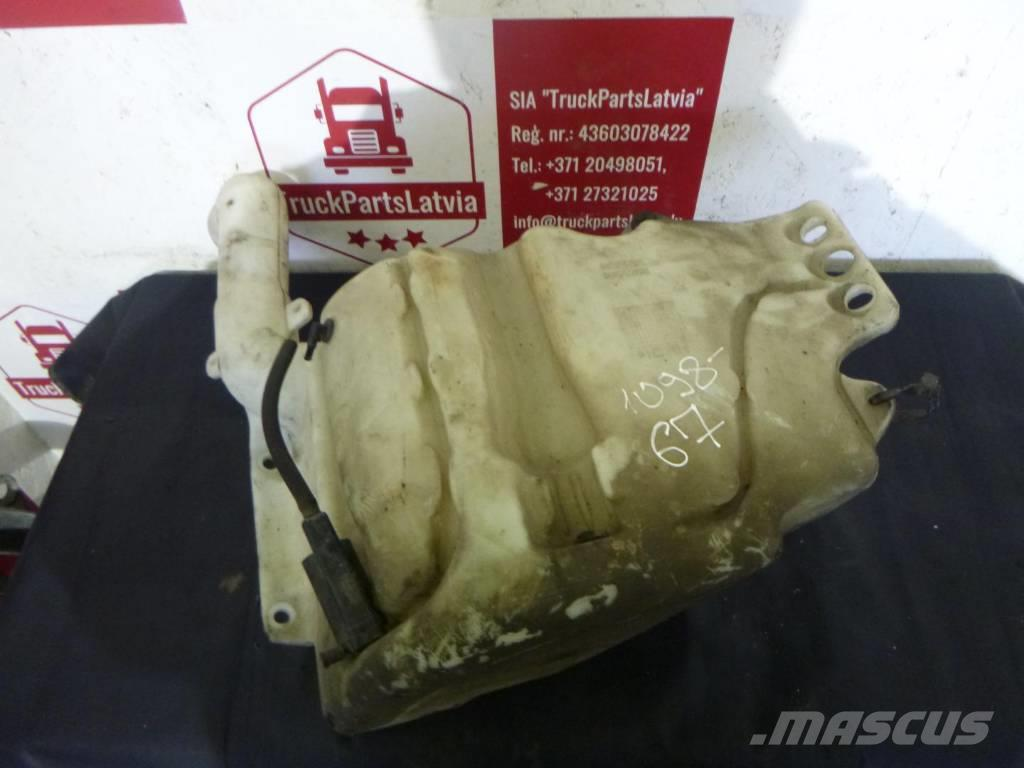 Scania Expansion tank for water
