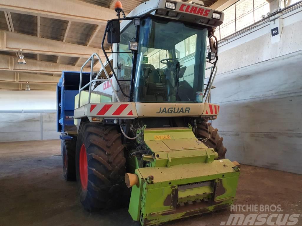 CLAAS Jaguar 830