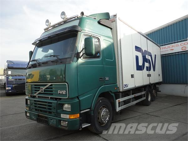 Volvo FH 12-380 GLOBETROTTER 6x2 WITH ISOLATED BOX (STEE