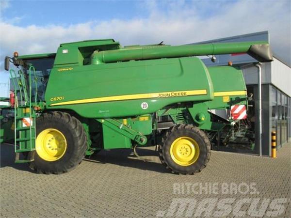Used John Deere C670i Hm Pro Drive Combine Harvesters Year