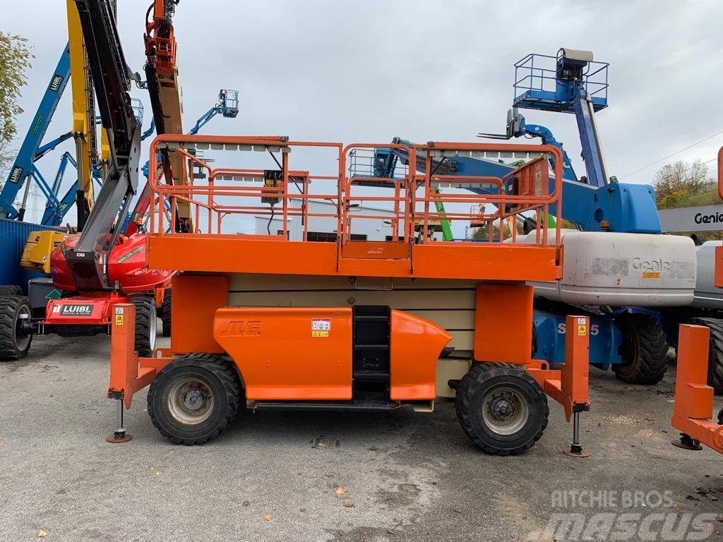 JLG 4394RT, 15m scissor lift diesel with jacklegs