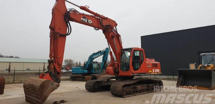 New Holland Kobelco E265
