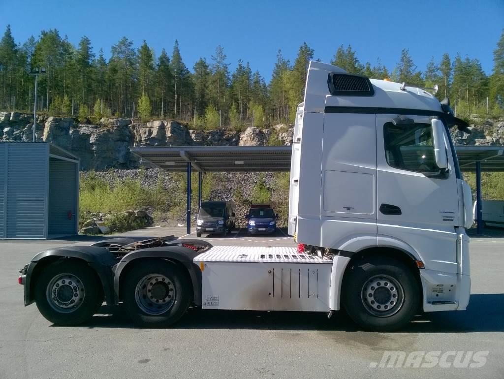 Used mercedes benz actros 2551ls hydrauliikka tractor for Mercedes benz tractors