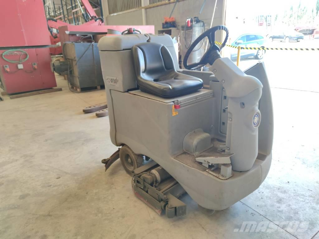 Nilfisk br600s  Industrial sweeper