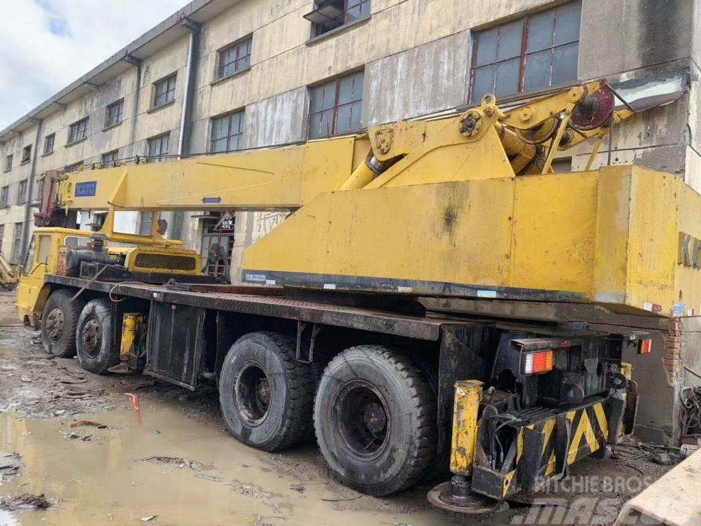Kato 40ton truck crane