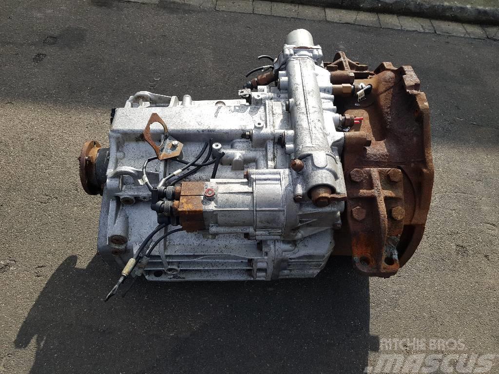 Mercedes-Benz G04 160