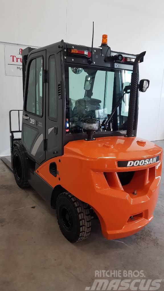Used Doosan D35C-7 diesel Forklifts Year: 2018 for sale
