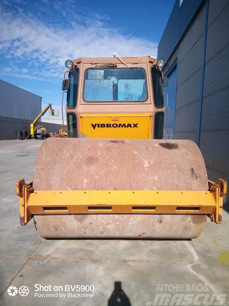 CASE Vibromax W 1102