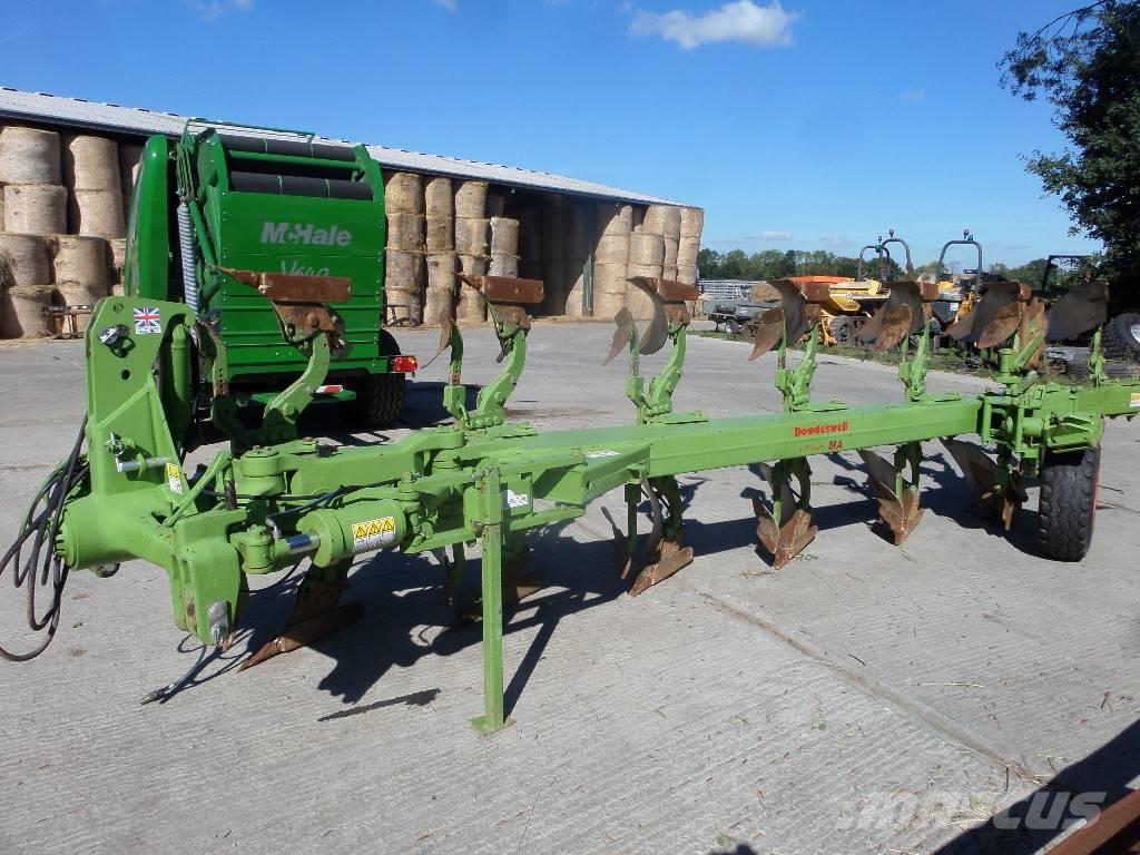 Dowdeswell 7 furrow reversible plough