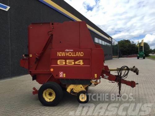 New Holland 654 Rundballepresser m snitter