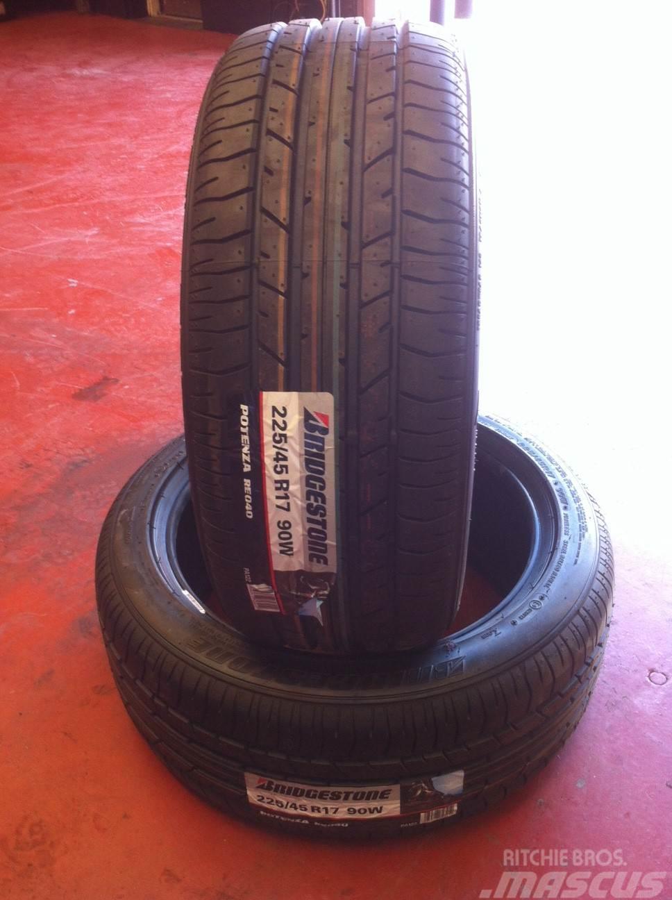 Bridgestone 225/45X17