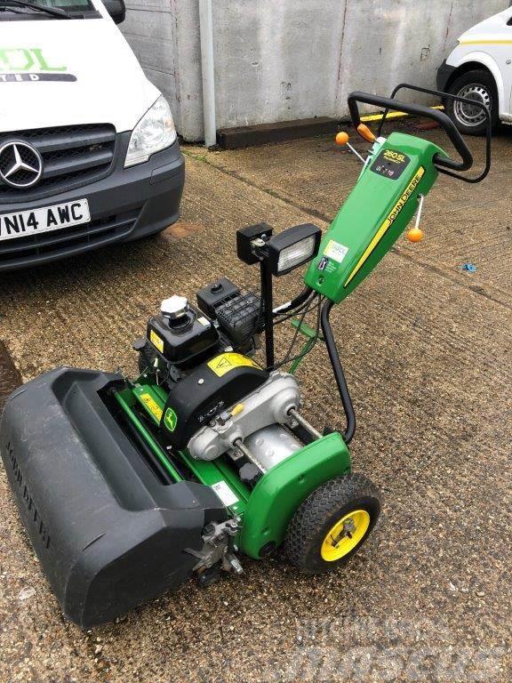 John Deere 260SL Greens mower