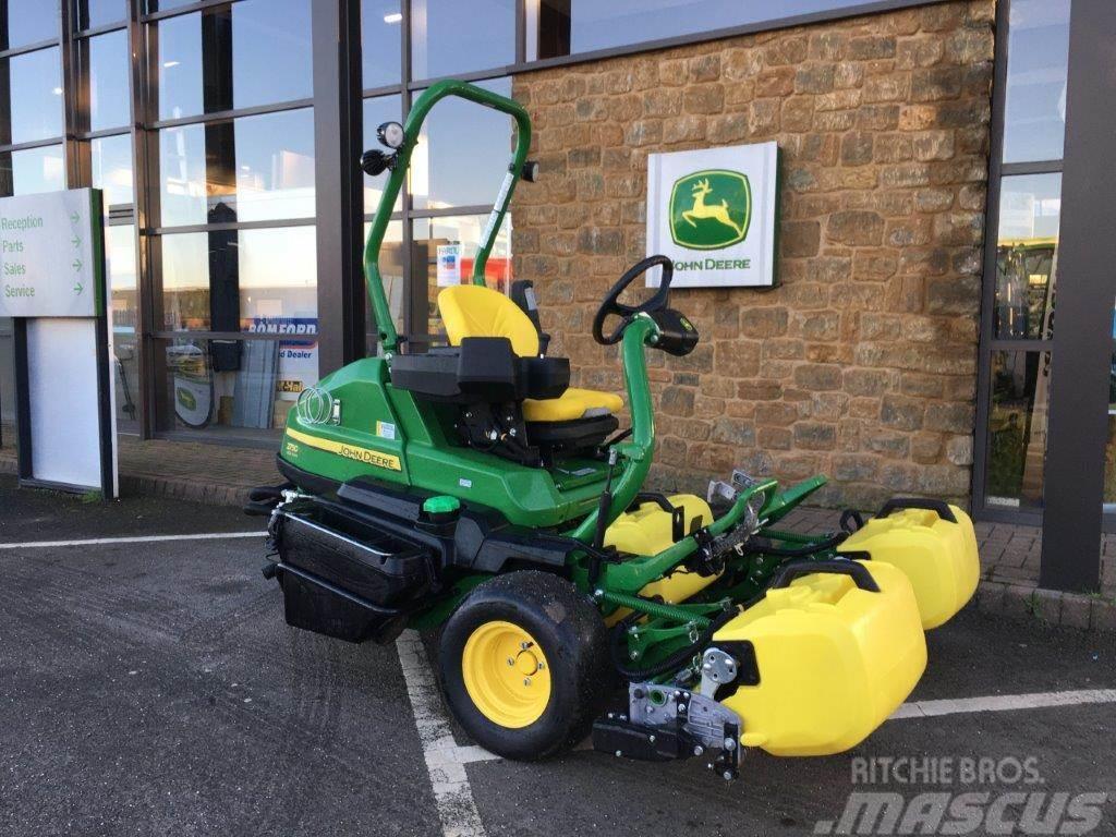 John Deere 2750E Greens Mower