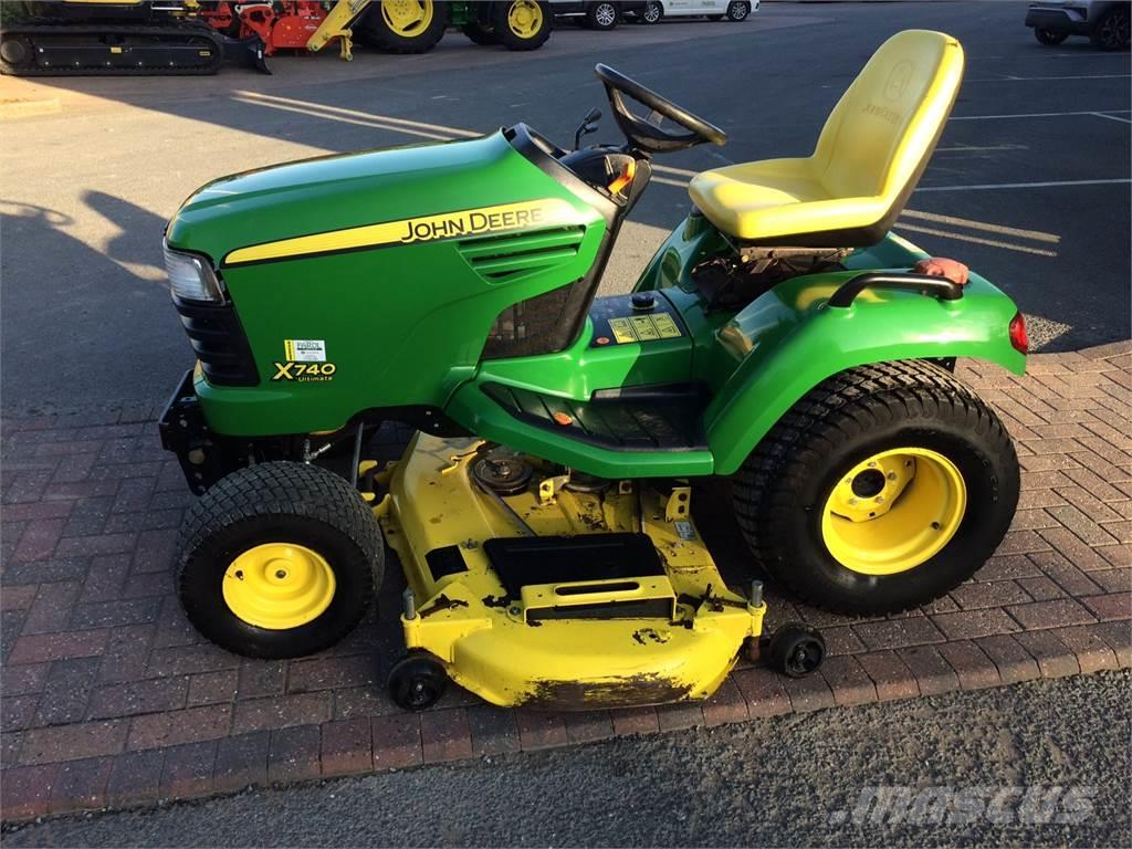 John Deere X740 Ultimate Mower