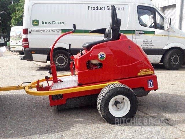 [Other] Tru Turf R50 - 11 Greens Roller