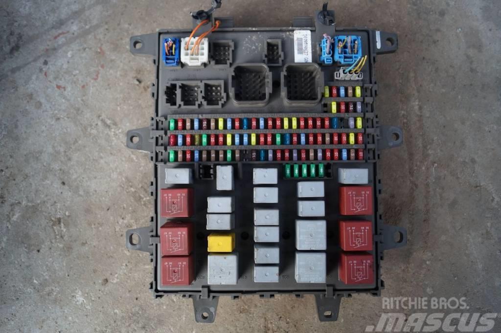 Renault Magnum / Premium DXI / Fuse board /