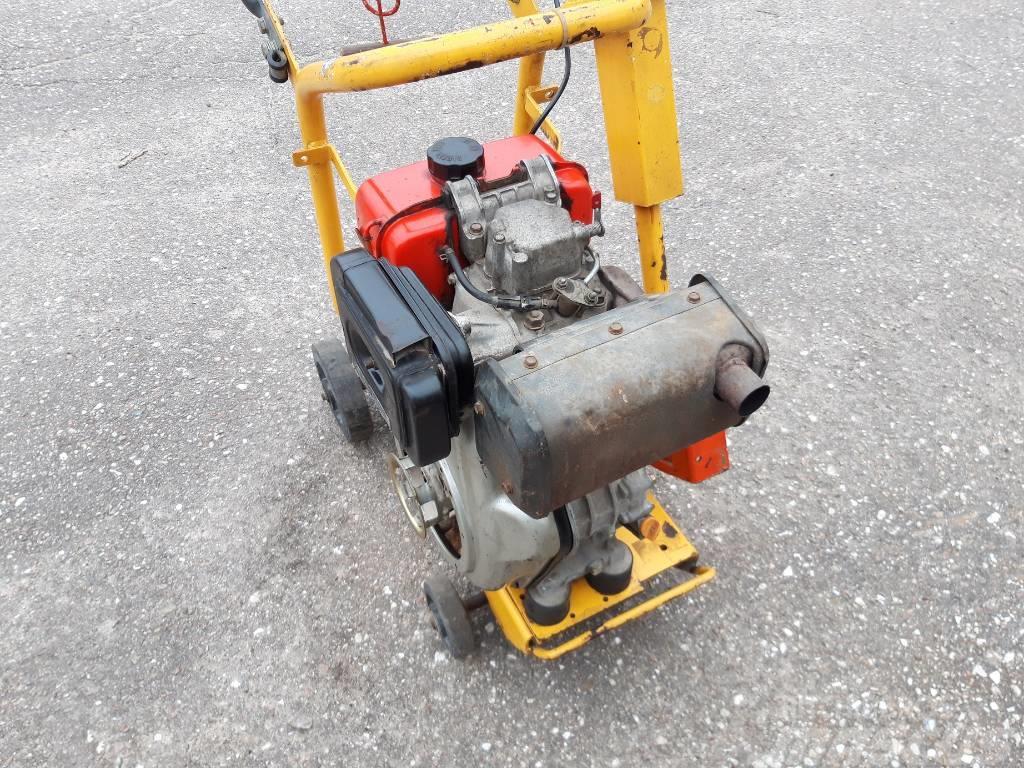 [Other] silnik Yanmar  diesel jednocylindrowy 100AE-D