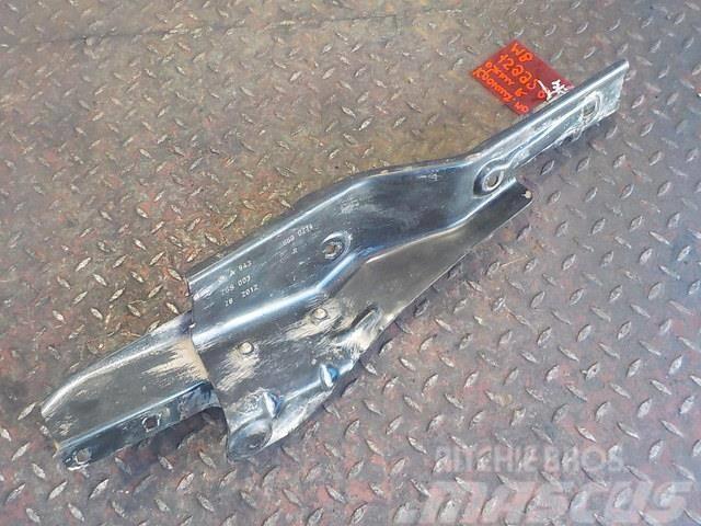 Mercedes-Benz Actros MPIII Step bracket 9436600214