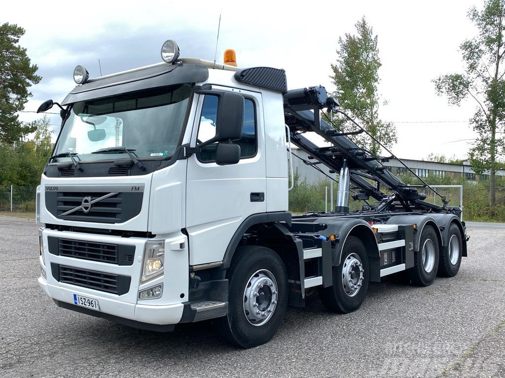 Volvo FM500 8x4 rautajousinen vaihtolava-auto