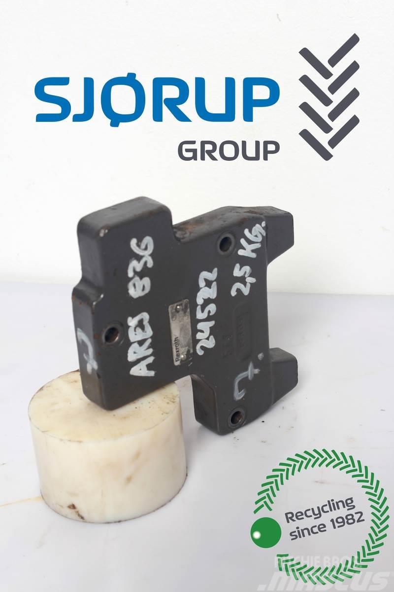 CLAAS Ares 836 Remote control valve