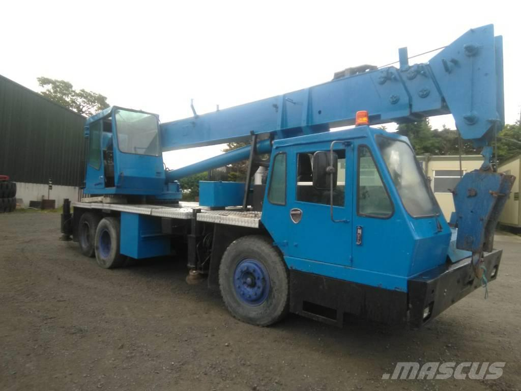 Coles 20 ton crane