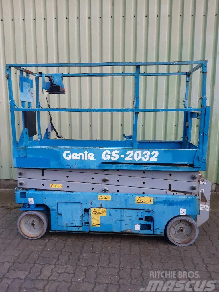 Genie GS 2032 8,10m
