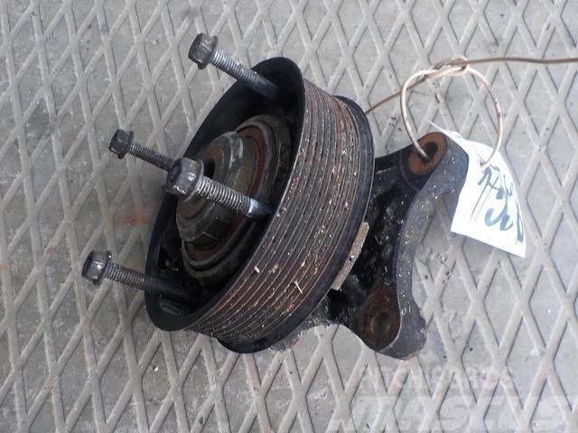 Renault Premium II Fan adaptor bearing housing 7421986114