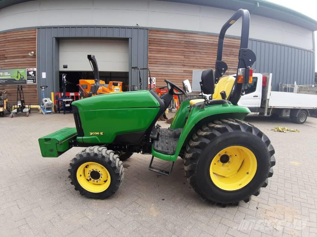 John Deere 3036 E - Compact Tractor