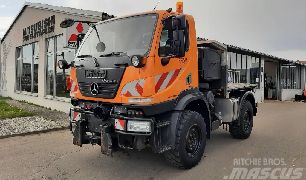Mercedes-Benz Unimog U 20 Kommunal