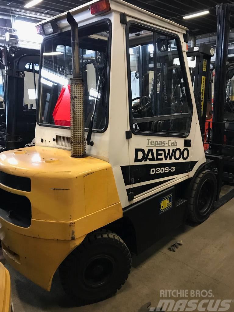 Daewoo D 30 S