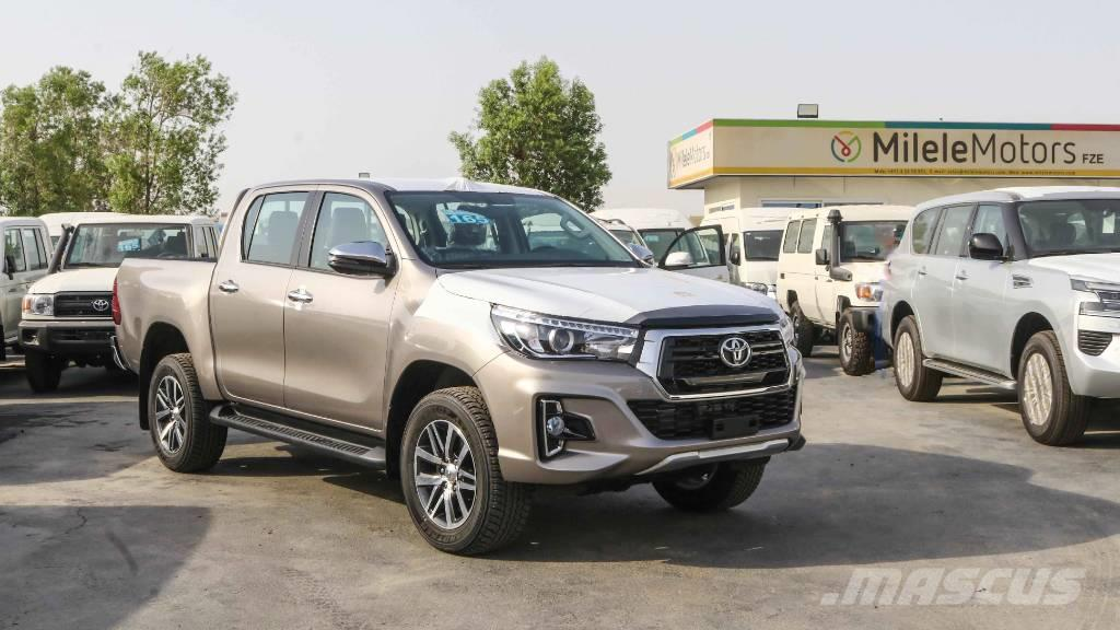 Toyota Hilux Double Cab 2.8L Diesel 2020 w/ LED Headlamps