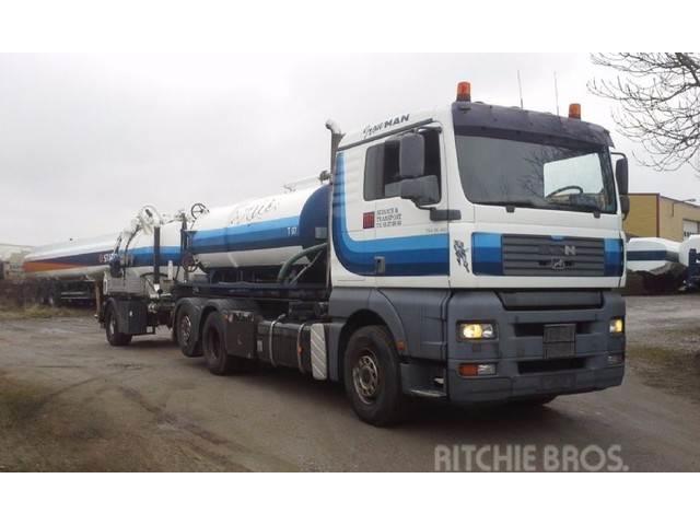 MAN 26.410 6x2 vacuum und Containertruck ADR