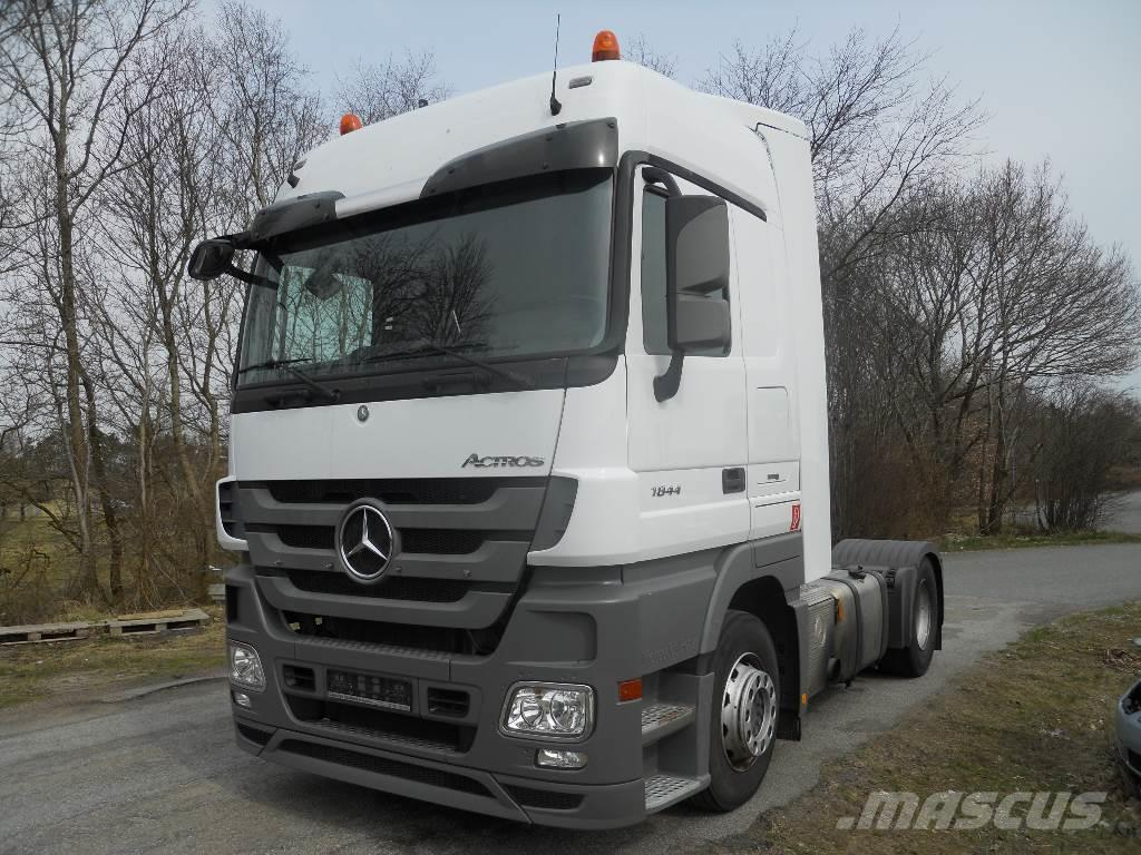 trucks truck robustheit media gb arocs the force construction benz robustness new mb en details mercedes in