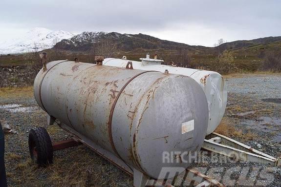 [Other] Dieseltank,1 aksling