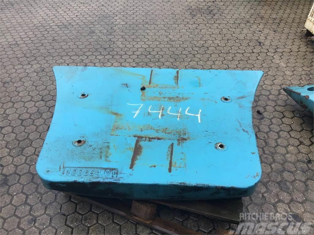 SMV 4531 TB5 COUNTERWEIGHT REAR 100894.01