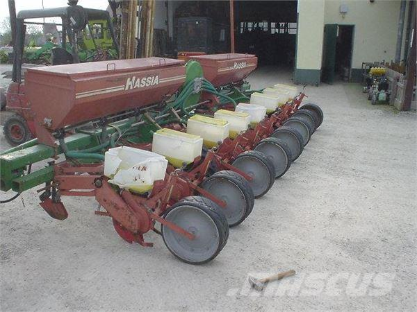 Hassia 8 Reihen Mais, Precision sowing machines