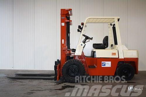 Nissan YF 03 A 33 TU