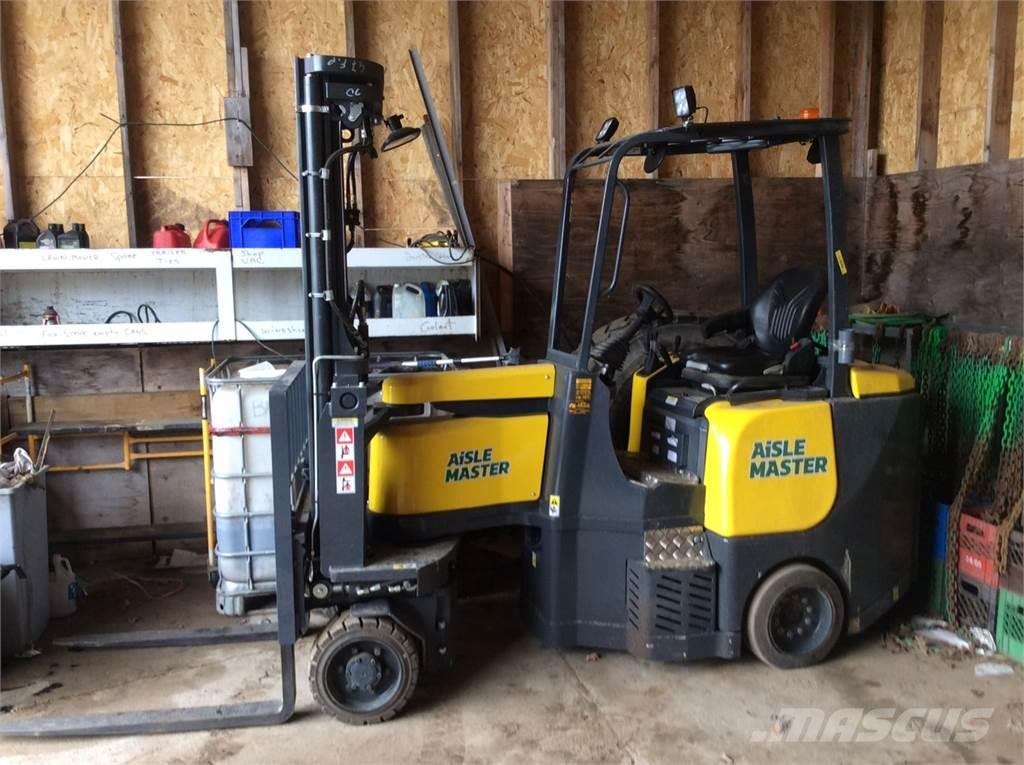 Aisle-Master COMBILIFT SWING REACH FORKLIFTS 33SE