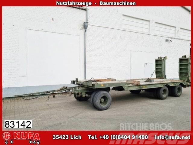 Kässbohrer 3-Achs Tiefladeanhänger, Ex-Bundeswehr, 24 to GG