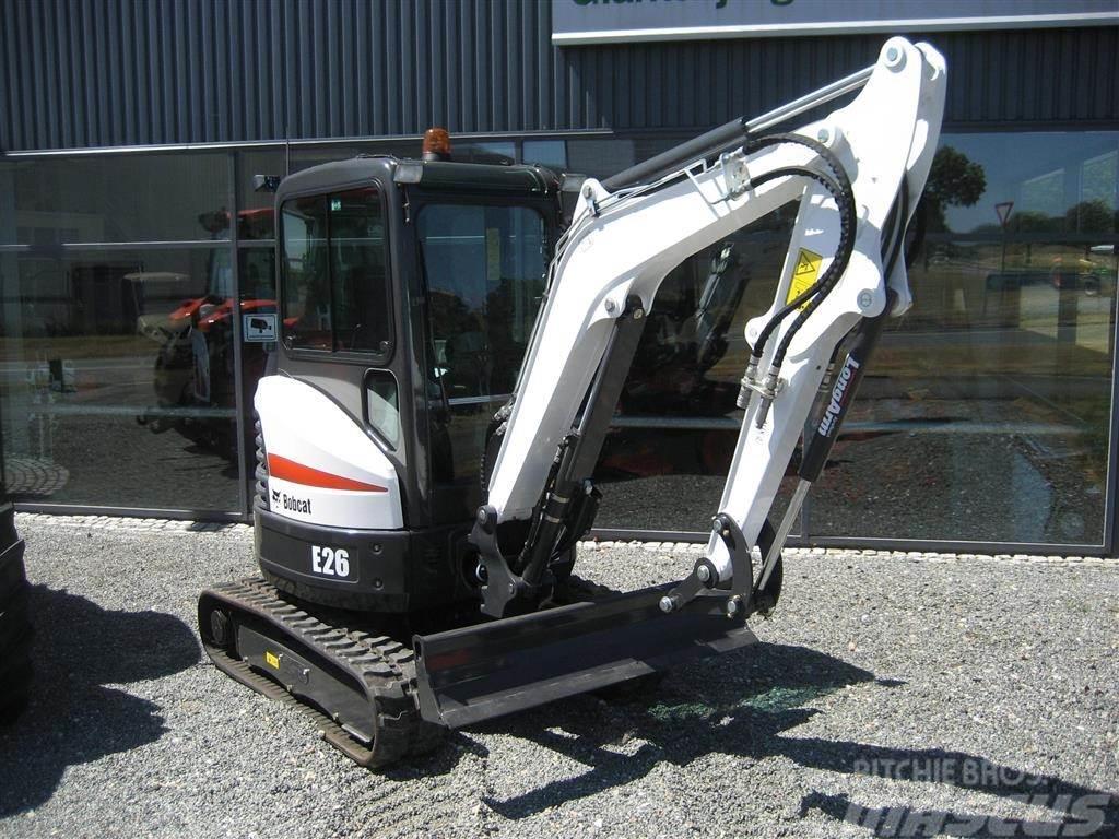Bobcat E26