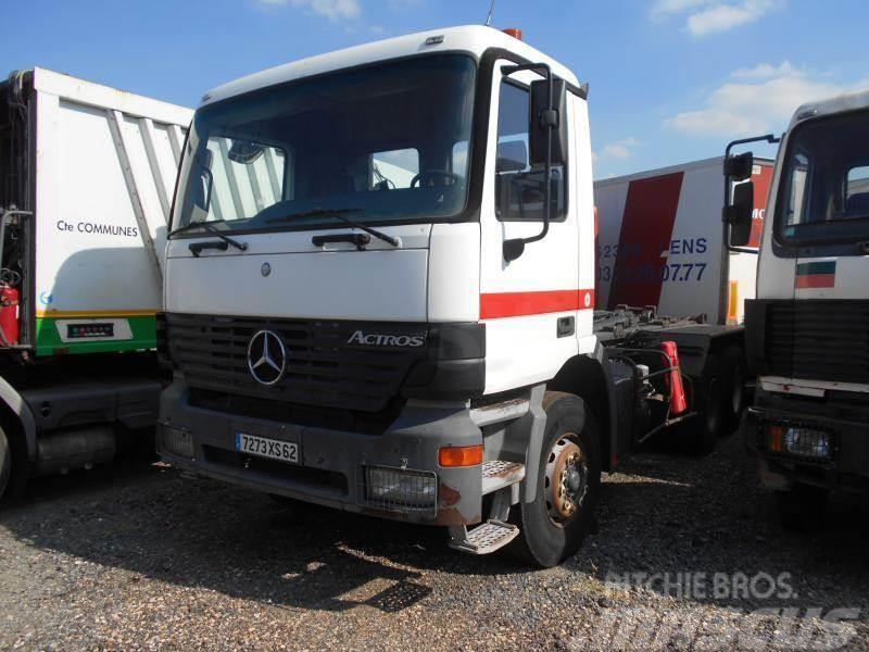 Mercedes-Benz Actros 3331
