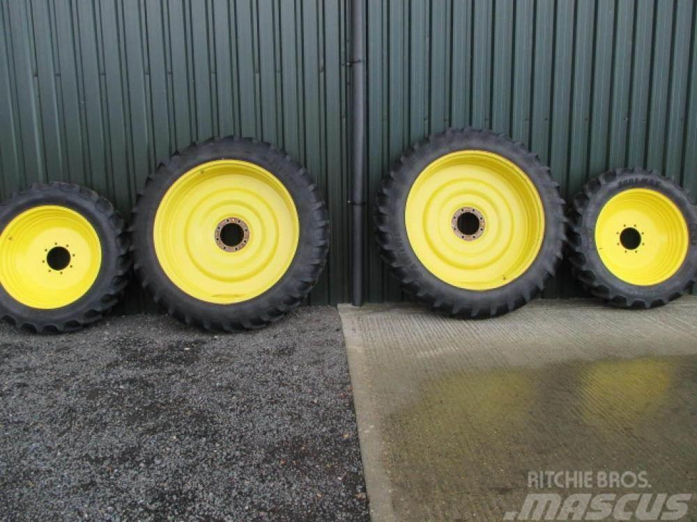 John Deere Row crop wheels 13.6x48, 12.4x34 or