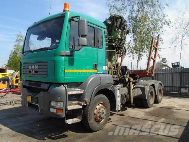 MAN TGA 26.400 6x6 Loglift 215 Z