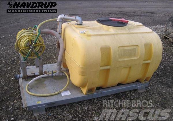 [Other] Vandtank fra K-Vagen-1000 liter.