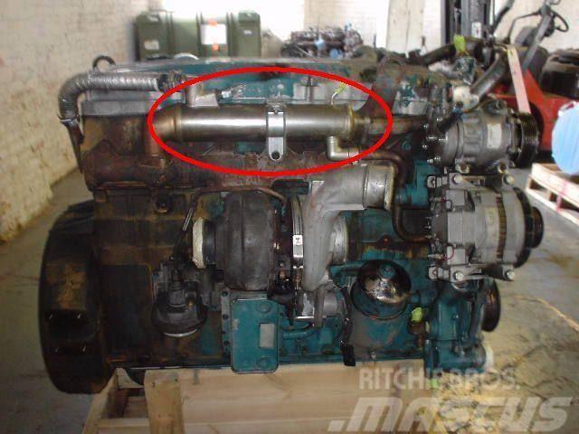 International DT 466E, 2004, Motorer