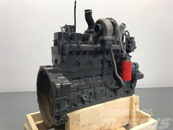 Komatsu SAA6D102, Motorer