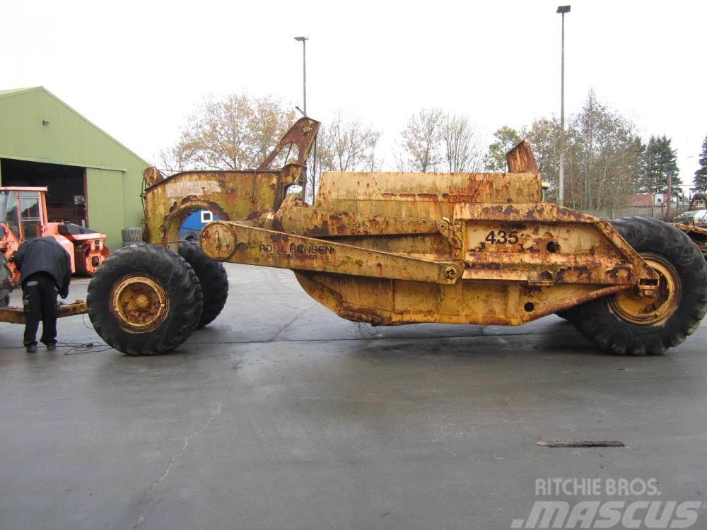 Caterpillar 435 scraper