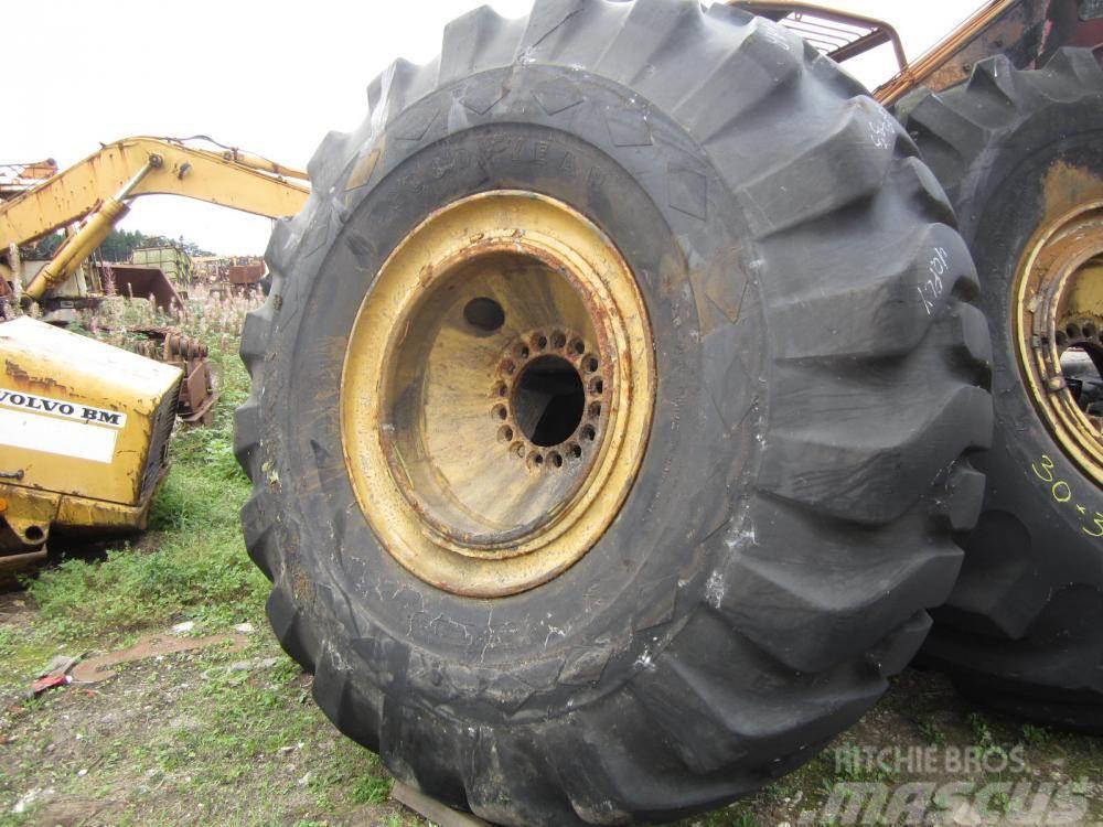 Goodyear 30.00x33 Goodyear Sure Grip Lug dæk
