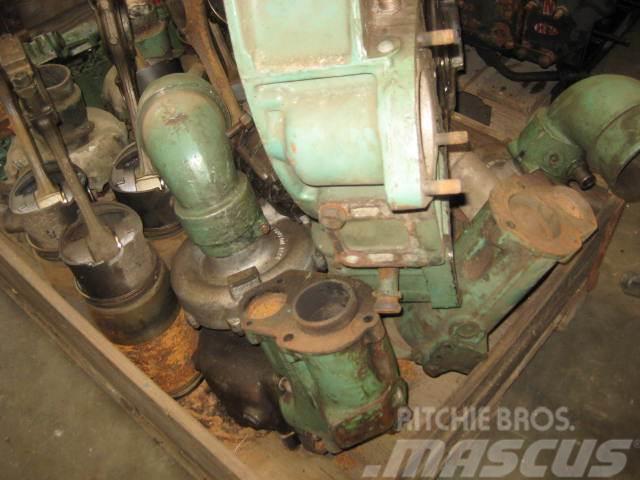 Mercedes-Benz 424 LA marine motor V12