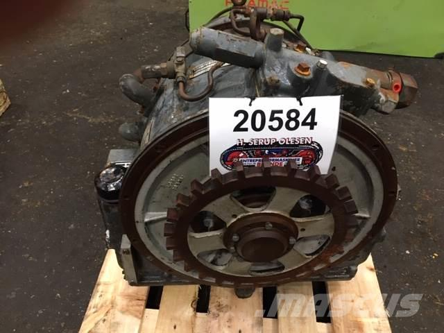 Rolls Royce Twin Disc three-stage torque converter Type DFR100